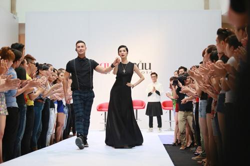 """Adam Williams: """"Mẫu Việt hấp dẫn không thua mẫu ngoại"""" - 1"""