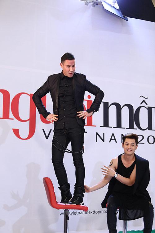 """Adam Williams: """"Mẫu Việt hấp dẫn không thua mẫu ngoại"""" - 2"""