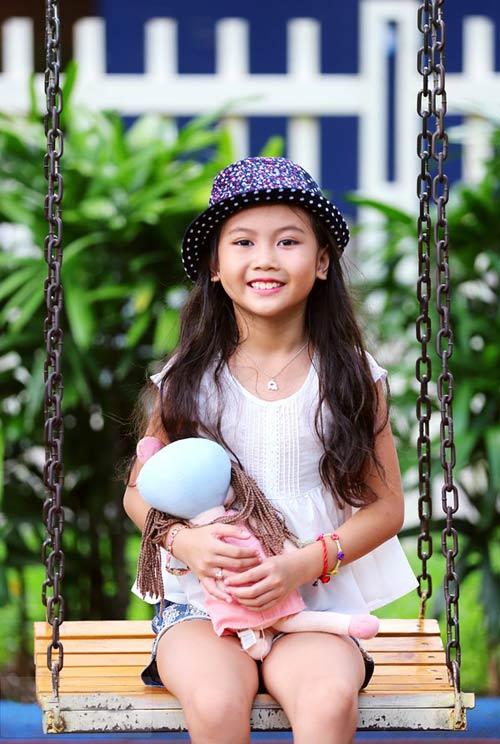 Cô bé 8 tuổi người Việt đạt kỷ lục trên Youtube - 2