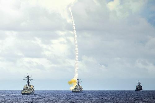 Tên lửa Tomahawk bắt đầu dội xuống đầu IS ở Syria - 2