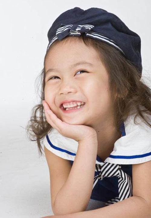 Cô bé 8 tuổi người Việt đạt kỷ lục trên Youtube - 4
