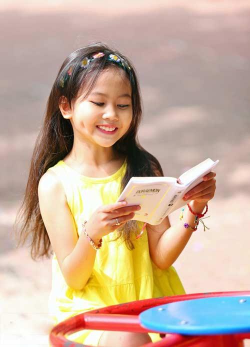 Cô bé 8 tuổi người Việt đạt kỷ lục trên Youtube - 17