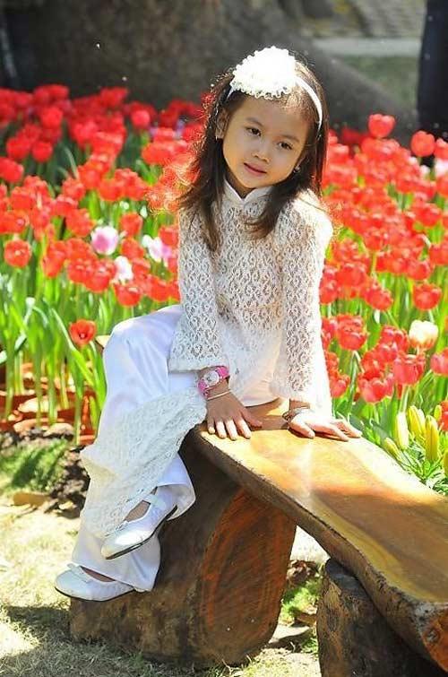 Cô bé 8 tuổi người Việt đạt kỷ lục trên Youtube - 12