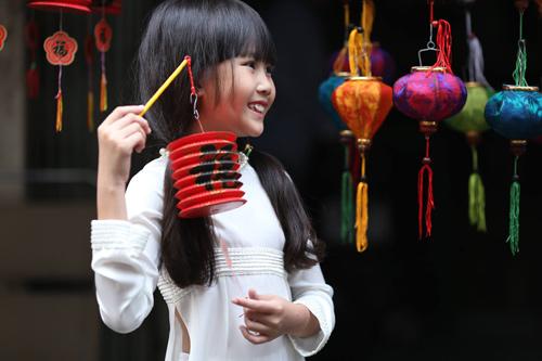 Cô bé 8 tuổi người Việt đạt kỷ lục trên Youtube - 15