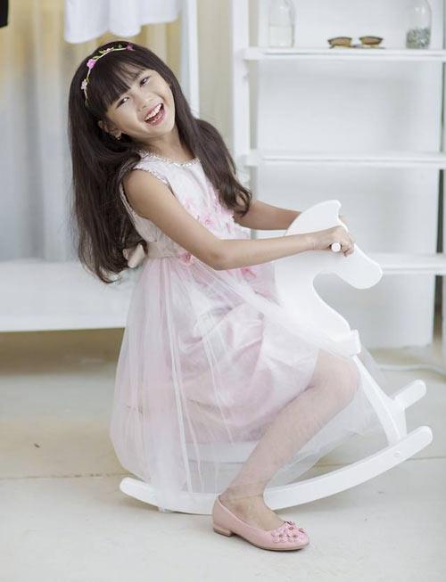Cô bé 8 tuổi người Việt đạt kỷ lục trên Youtube - 16