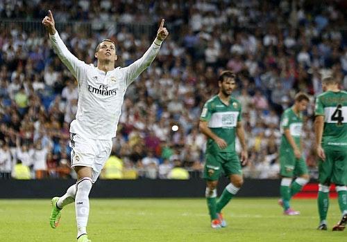 Xuất sắc lập poker, Ronaldo hết lời cảm ơn đồng đội - 1