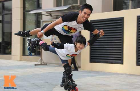 """""""Thiên thần"""" nhí 3 tuổi trượt patin như làm xiếc - 14"""