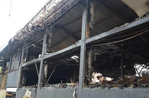 Ảnh: Quán bar sang nhất Hà Nội tan hoang sau vụ cháy - 1
