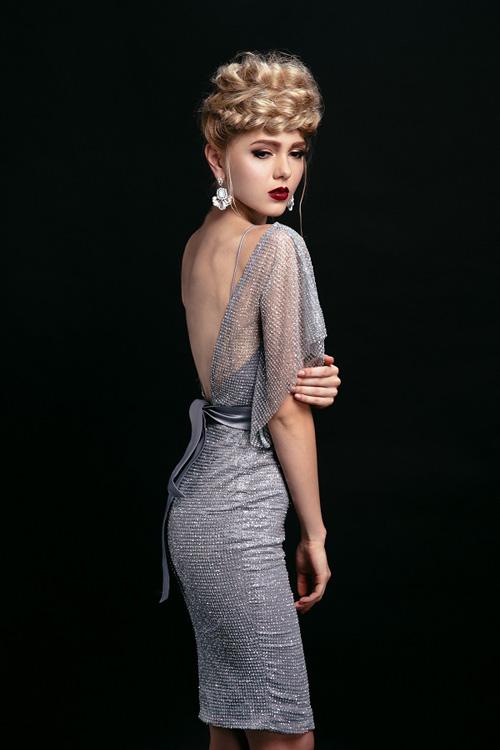 Ngắm những chiếc váy hở lưng siêu gợi cảm mùa này - 12