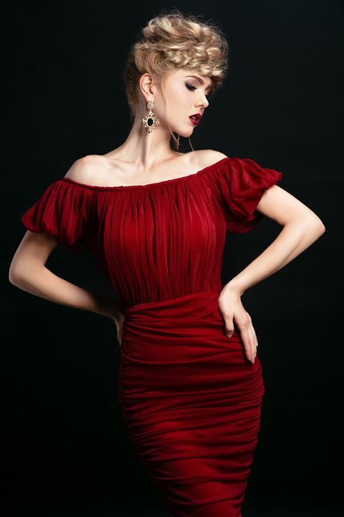 Ngắm những chiếc váy hở lưng siêu gợi cảm mùa này - 14