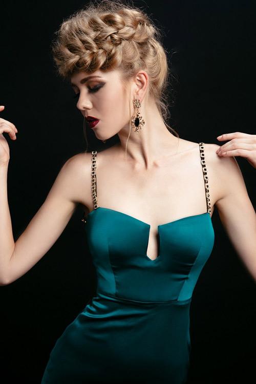 Ngắm những chiếc váy hở lưng siêu gợi cảm mùa này - 15
