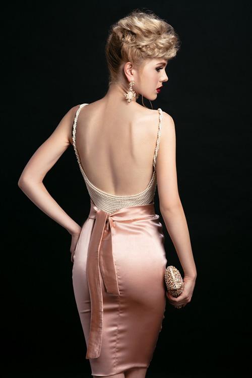 Ngắm những chiếc váy hở lưng siêu gợi cảm mùa này - 6