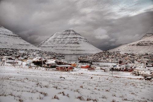 Thành phố xinh đẹp bên ngọn núi hình kim tự tháp - 9