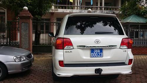 Xe dùng biển xanh giả: Trưởng BQL Khu kinh tế Hà Tĩnh nói gì? - 1