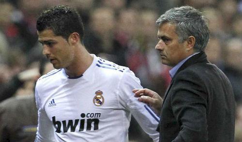 Hạnh phúc ở Real, Ronaldo phủ nhận trở lại MU - 2