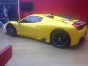Siêu xe Ferrari 458 Spider Speciale lộ ảnh trần trụi