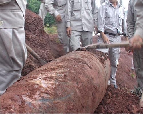Quảng Trị: Phát hiện quả bom 500kg sau trận mưa lớn - 3