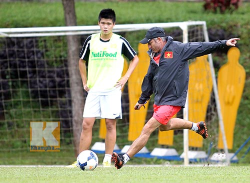 """Bóng đá Việt có cơ hội """"lên hương"""" với thầy ngoại - 2"""