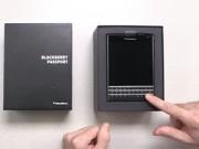 Thời trang Hi-tech - Video đập hộp chiếc BlackBerry Passport mới ra mắt