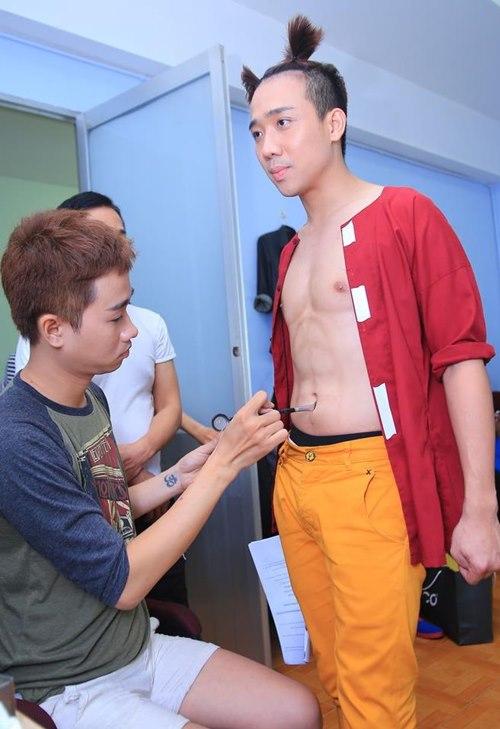 """Trấn Thành khoe bụng """"6 múi"""" với Việt Hương - 6"""