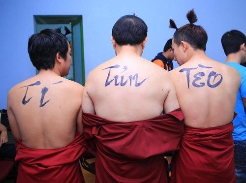 """Trấn Thành khoe bụng """"6 múi"""" với Việt Hương - 10"""