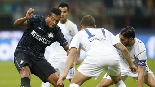 Inter - Atalanta: Cú đúp siêu phẩm - 1