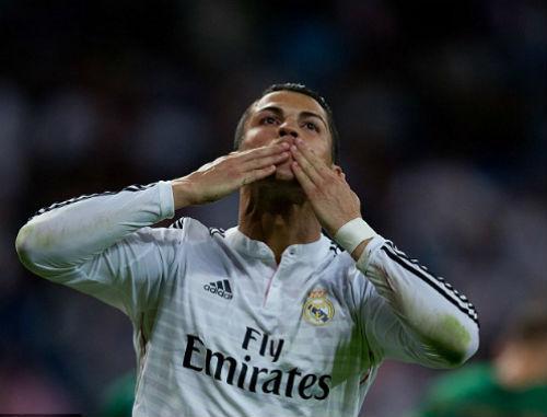 """Fan MU vẫn """"yêu"""" Ronaldo đến không ngờ - 1"""