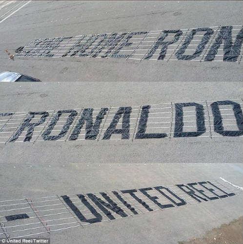 """Fan MU vẫn """"yêu"""" Ronaldo đến không ngờ - 2"""