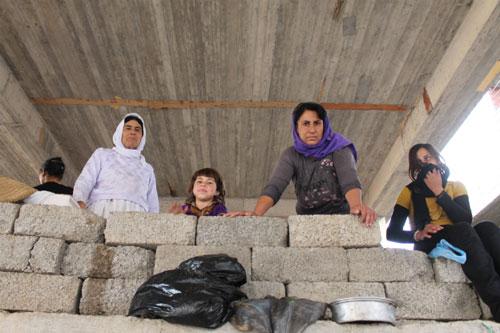 Bi kịch của hàng ngàn nạn nhân bị IS truy đuổi - 2
