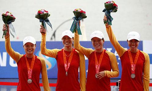 ASIAD 17: Bốn cô gái rowing đoạt chiếc HCB - 1