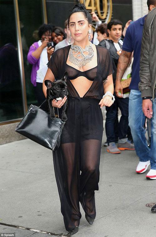 7 lần Lady Gaga lạm dụng cơ thể gây sốc - 4