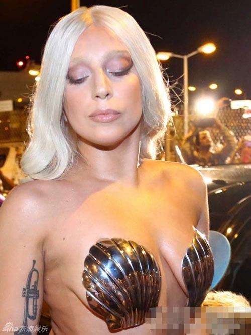 7 lần Lady Gaga lạm dụng cơ thể gây sốc - 2