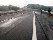 """Tin tức trong ngày - Nứt cao tốc dài nhất VN: """"Không thể đổ lỗi cho đất yếu"""""""