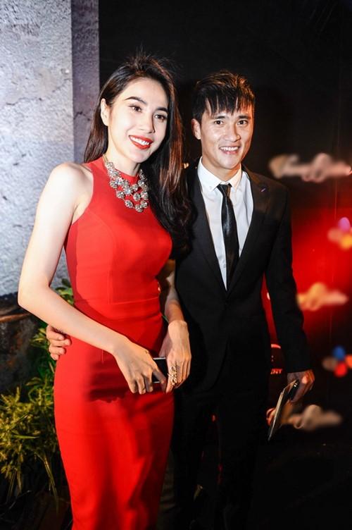 """Trương Ngọc Ánh """"cặp kè"""" trai trẻ, Trần Bảo Sơn lẻ bóng - 8"""