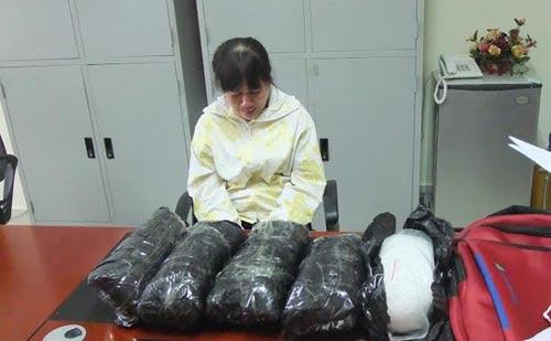 Bắt vụ vận chuyển ma túy trị giá gần 10 tỉ đồng vào Việt Nam - 1