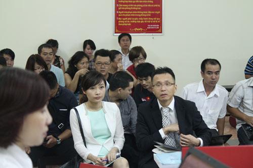 Tranh chấp tại tòa Keangnam: Hoãn tòa vì hội thẩm tắt điện thoại - 1
