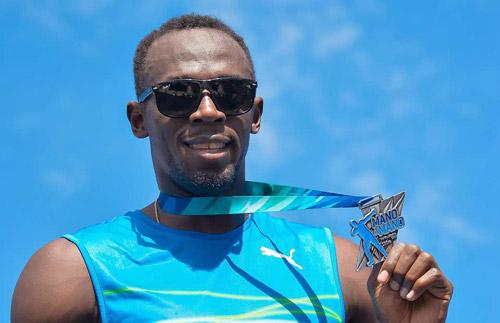 """""""Fan cuồng"""" MU quyết phá kỷ lục thế giới chạy 200m - 1"""