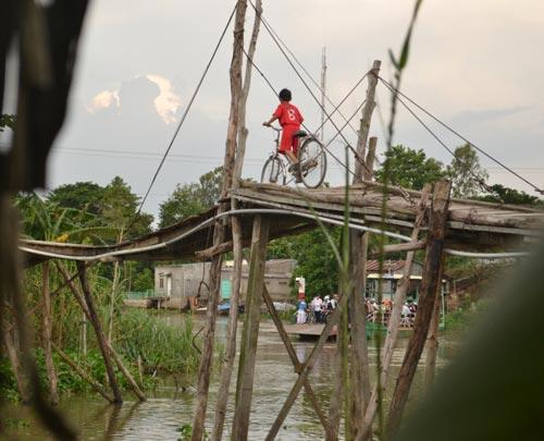 Khám phá những cây cầu khỉ cuối cùng ở miền Tây - 9