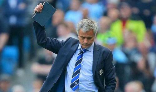 """Mourinho """"chửi"""" Pellegrini là kẻ đạo đức giả - 1"""