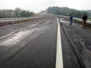 Tin tức trong ngày - Nứt cao tốc dài nhất VN: Ai phải chịu trách nhiệm?