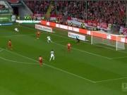 Bóng đá - Pha bỏ lỡ không tưởng của tuyển thủ Đức