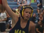 Thể thao - Nghị lực phi thường của đô vật nhí 13 tuổi bị mù