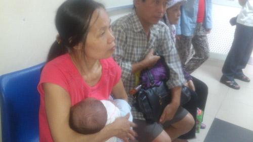 Hà Nội: Lại cháy vắc xin dịch vụ 5 trong 1 - 2