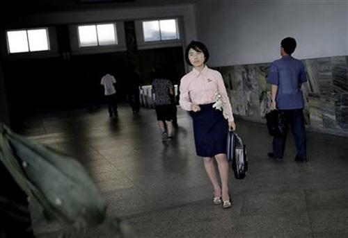 """""""Cuộc cách mạng thời trang"""" đang diễn ra ở Triều Tiên? - 5"""