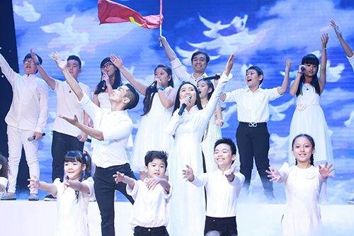Thu Thủy chúc mừng Linh Hoa giành giải 150 triệu đồng - 12