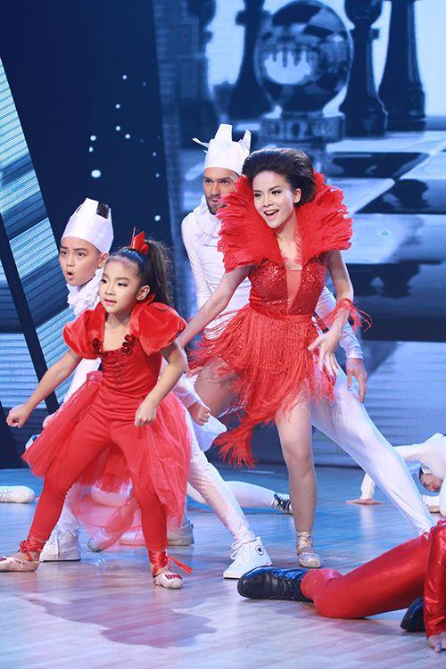 Thu Thủy chúc mừng Linh Hoa giành giải 150 triệu đồng - 10