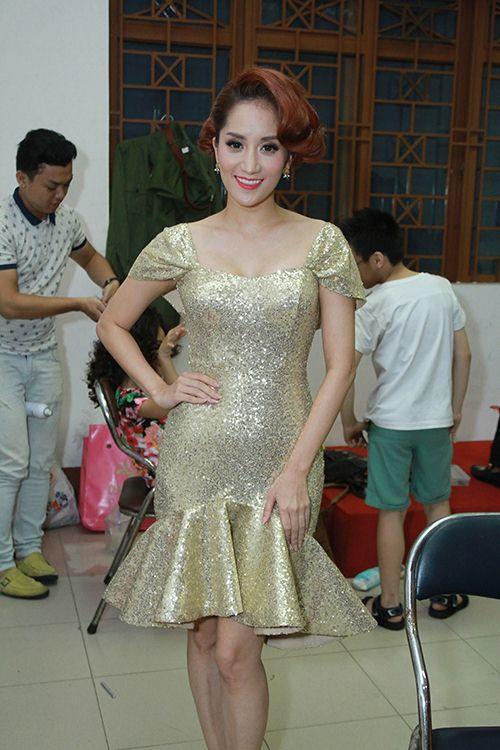 Thu Thủy chúc mừng Linh Hoa giành giải 150 triệu đồng - 6