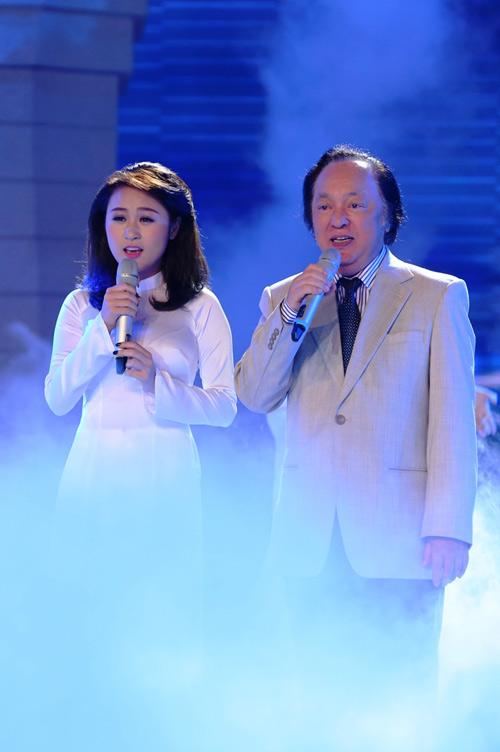 Con gái Thanh Lam hát bên ông nội bị dân mạng chê dở - 1