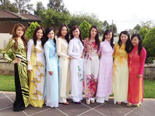 Phát sốt với mỹ nhân múa cột gốc Việt - 3