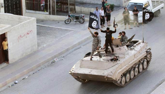 Ảnh: Bên trong sào huyệt phiến quân IS ở Syria - 1